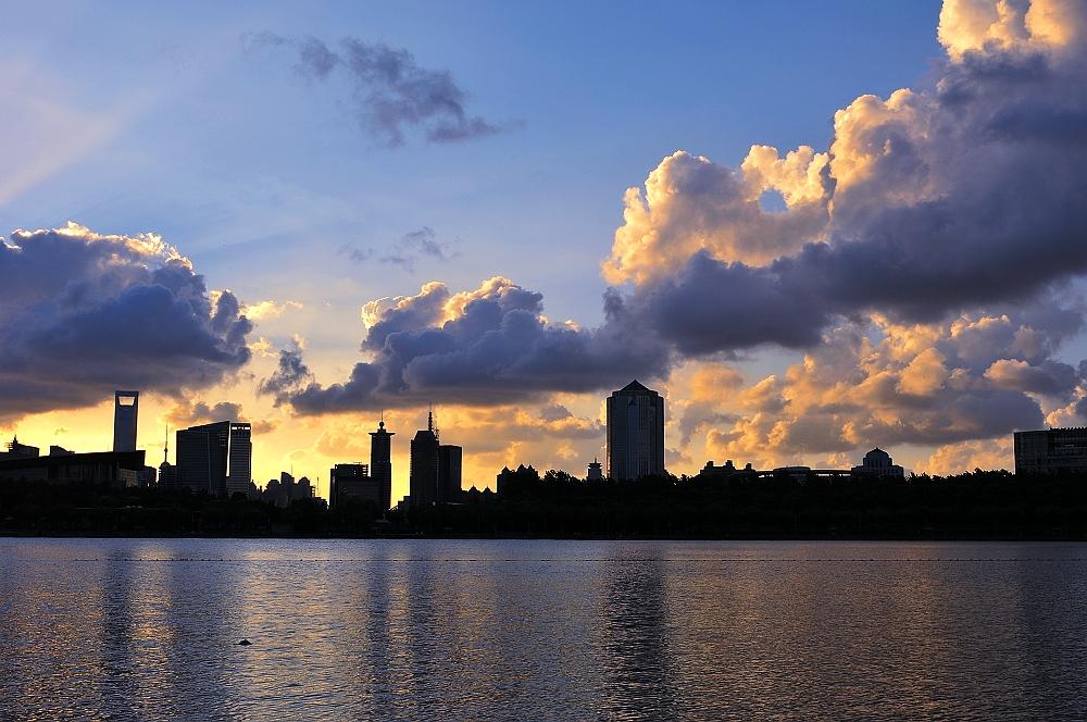 浦东世纪公园夕阳
