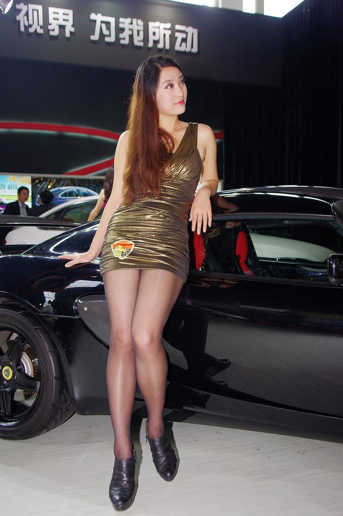 嘉兴车展的模特