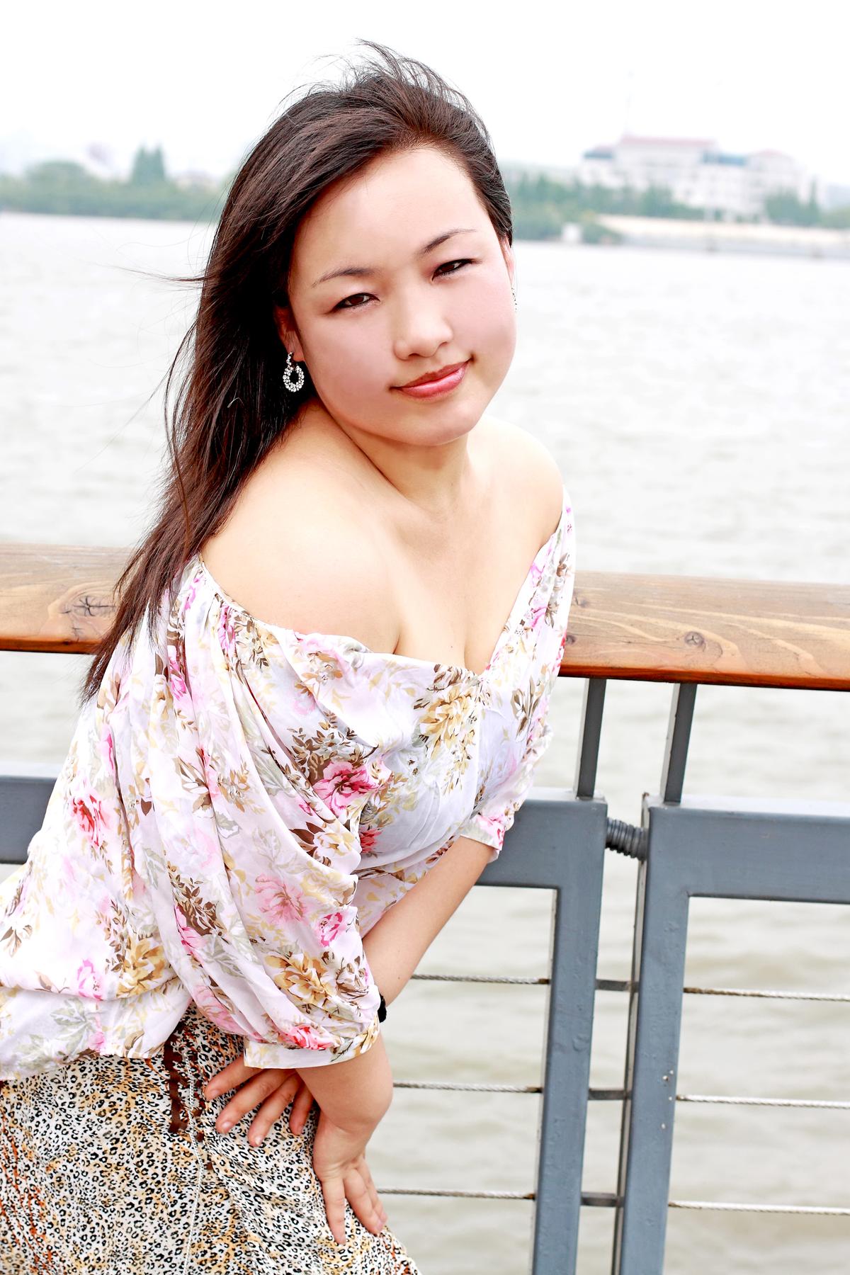 来自内蒙古草原的美女 燕燕mm高清图片