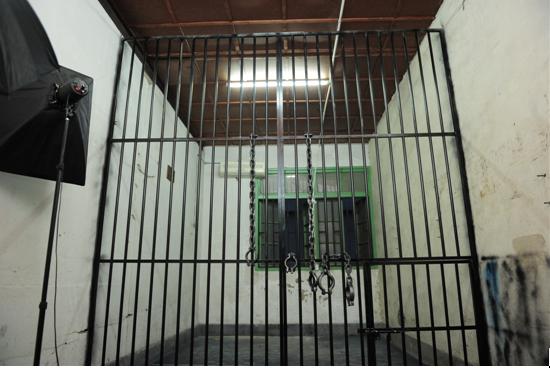 监狱1.png