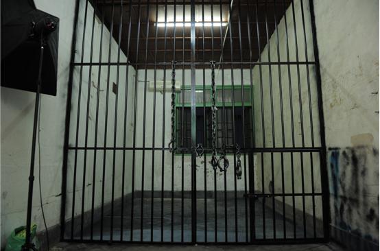 监狱2.png