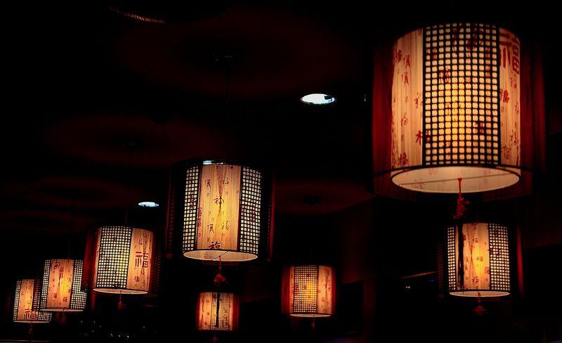 五楼美食城灯光