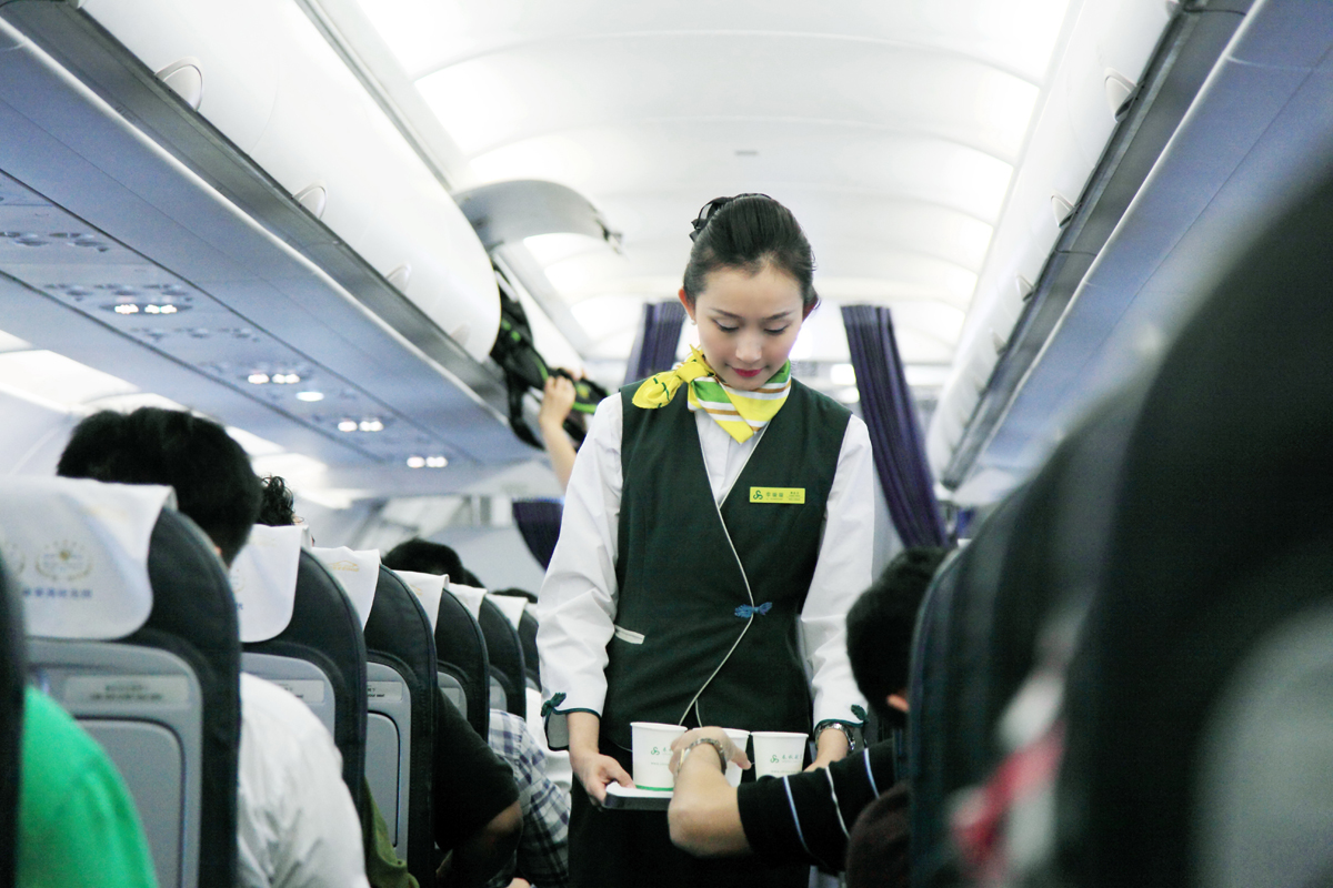 69 全国摄友交流区 69 初乘春秋航空的飞机有感  还有座位小,坐着
