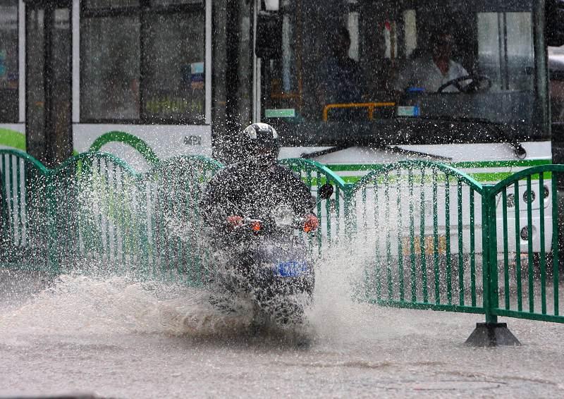 上海/雨景_02.jpg...